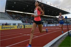 Jasmijn Lau goed voor een gouden titel op de 3000m tijdens de NK junioren in Breda