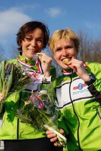 Topdames dit weekend: links Lia Wijnberger, rechts Sandra de Jonge